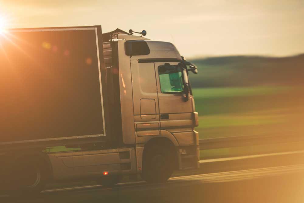 jasa-cargo-darat-murah-truck-klik-logistics