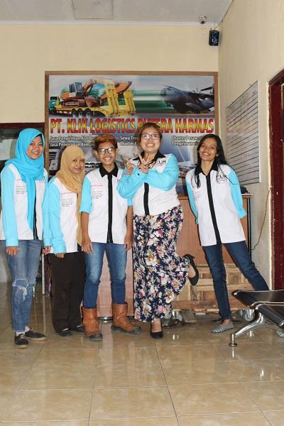 Jasa Pengiriman Dan Packing Barang Di Jakarta, Bisa Packing Plastik, Packing Kardus Dan Packing Kayu.