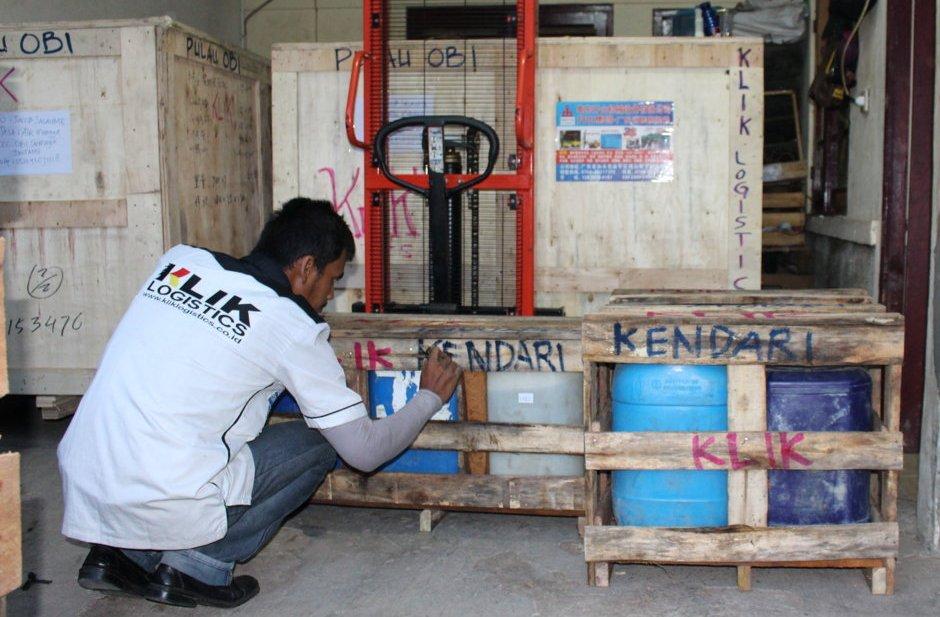 Jasa pengiriman bahan kimia atau barang cairan limbah antar pulau, klik logistics saja